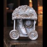 Fuga d'amore, Elopement. theatre,ceramic sculpture