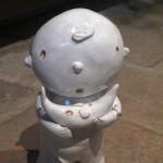 Starmaker, ceramic sculpture, l'omino delle stelle