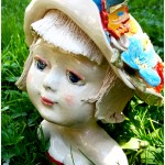 La ragazza col cappello,the girl with the hat.Ceramic sculpture