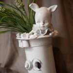 il magico bianconiglio.The magical white rabbit, ceramic sculpture.
